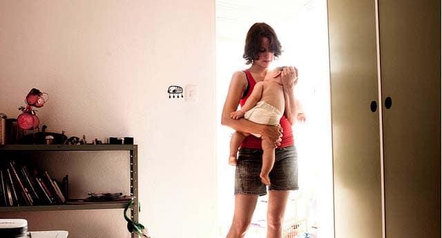 Mère au foyer / Travailleuse à domicile: rester à la maison.