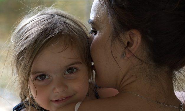Mère seule d'un enfant différent/ à besoins spéciaux.